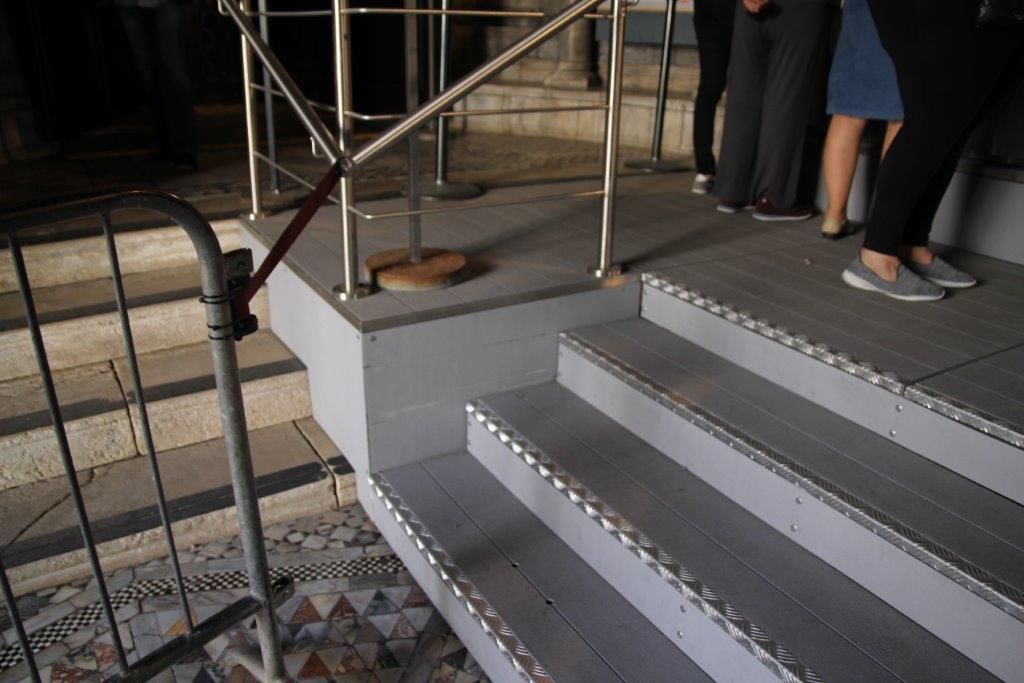 plancher caillebotis balcon en acier peint avec plancher en caillebotis with plancher. Black Bedroom Furniture Sets. Home Design Ideas